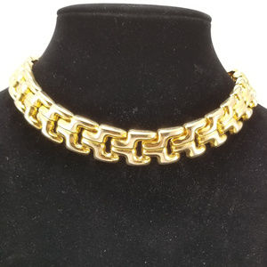 Vintage Gold Tone Panther Link Collar Necklace